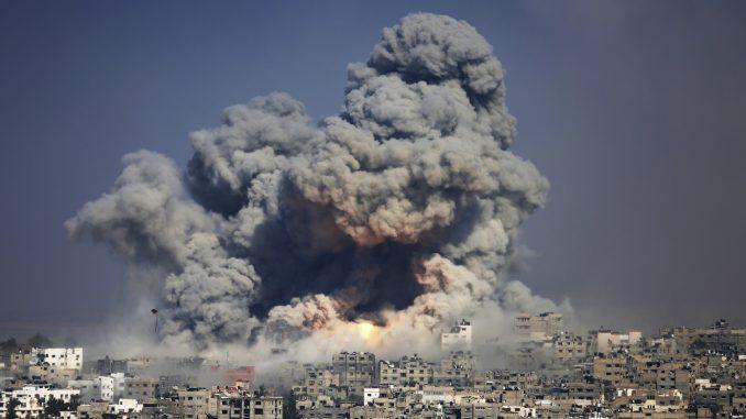 Μέση Ανατολή: Ο Μπάιντεν ζητά αποκλιμάκωση βίας, αλλά το Ισραήλ ετοιμάζει χερσαία επίθεση   tovima.gr
