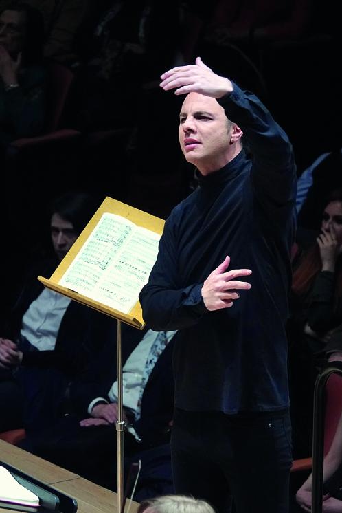 Θεόδωρος Κουρεντζής: Ο αντισυμβατικός σταρ της κλασικής μουσικής   tovima.gr