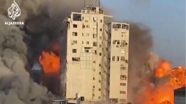 Γάζα: Κατέρρευσε από ισραηλινό βομβαρδισμό κτίριο που στέγαζε το AP και το Al Jazeera | tovima.gr