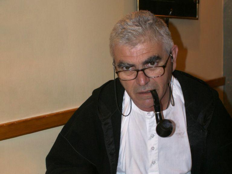 Πέθανε ο συγγραφέας, ποιητής και δημοσιογράφος Άγγελος Πετρουλάκης   tovima.gr