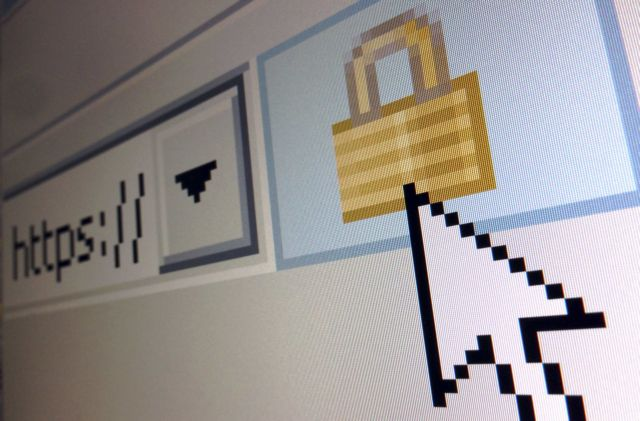 Focus Bari: Pandemic accelerates Greek Internet penetration   tovima.gr