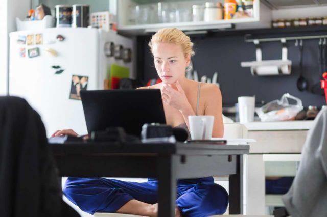 Eurostat: Μόλις 7% η εργασία από το σπίτι στην Ελλάδα το 2020 | tovima.gr