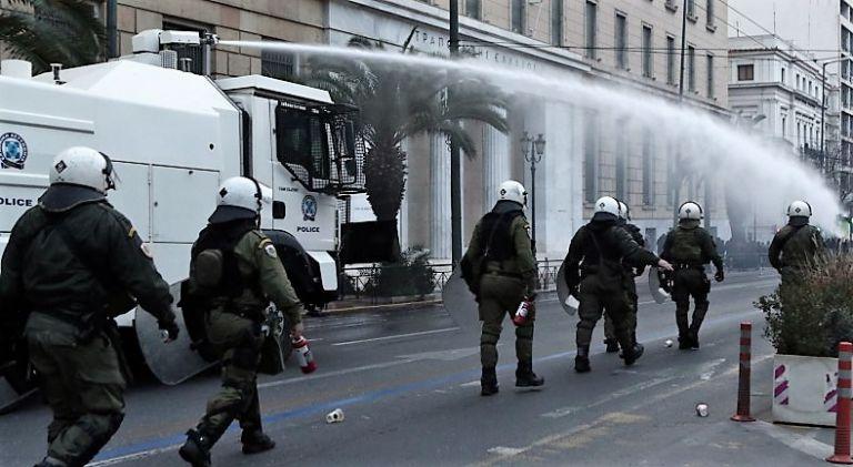 Ποια βία προτιμάμε; | tovima.gr