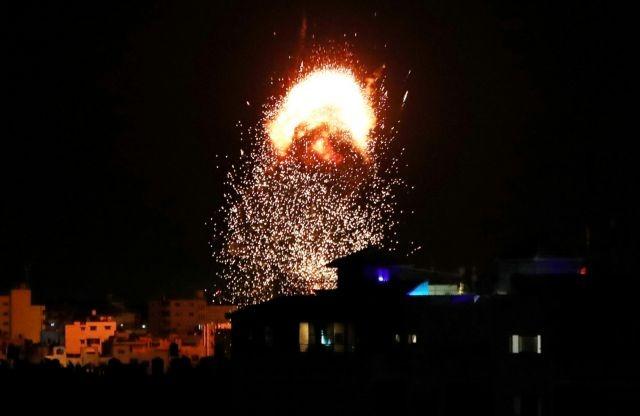 Γάζα: Συνεχίζεται το αιματοκύλισμα – Τουλάχιστον 200 νεκροί μεταξύ των οποίων 59 παιδιά | tovima.gr