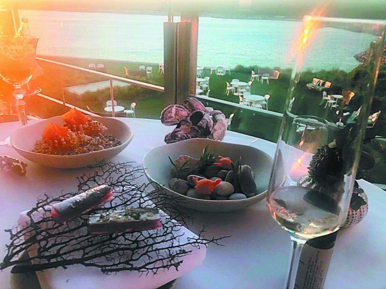 Αθηναϊκή Ριβιέρα, VIPs και ψαροφαγικά spots   tovima.gr