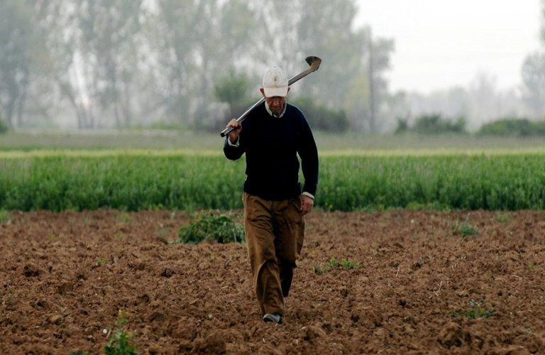 Πώς διαμορφώνεται η προσωρινή αγροτική σύνταξη   tovima.gr