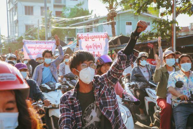 Πραξικόπημα στη Μιανμάρ: Πάνω από 800 τα θύματα καταστολής | tovima.gr