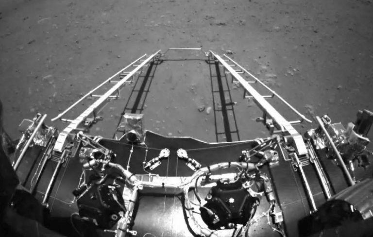 Οταν το κινέζικο Zhurong πάτησε στον Άρη [εικόνες]   tovima.gr