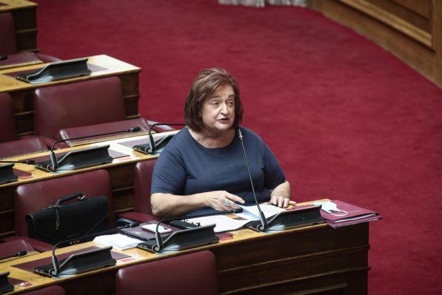 Γιαννάκου: Δεν μπορώ να ψηφίσω τη συνεπιμέλεια – Αιχμές κατά Τσιάρα | tovima.gr