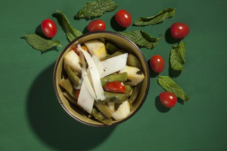 Φασολάκια λεμονάτα με πεκορίνο | tovima.gr