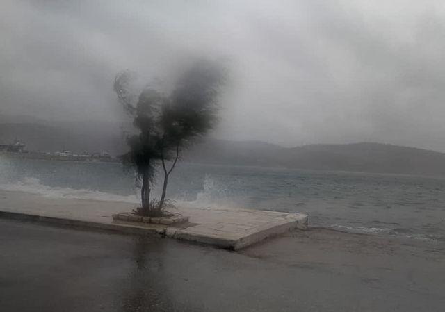 Καιρός: Αλλαγή σκηνικού το βράδυ της Πέμπτης – Δείτε σε ποιες περιοχές θα σημειωθούν βροχές, καταιγίδες και χαλαζόπτωση | tovima.gr