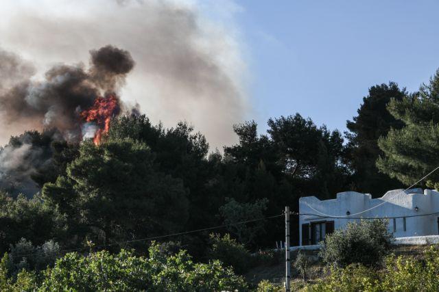 Φωτιά σε Κορινθία, Αττική: Στάχτη πάνω από 40.000 στρέμματα δάσους – Καταστροφές σε σπίτια – Τι είπε ο Χαρδαλιάς   tovima.gr