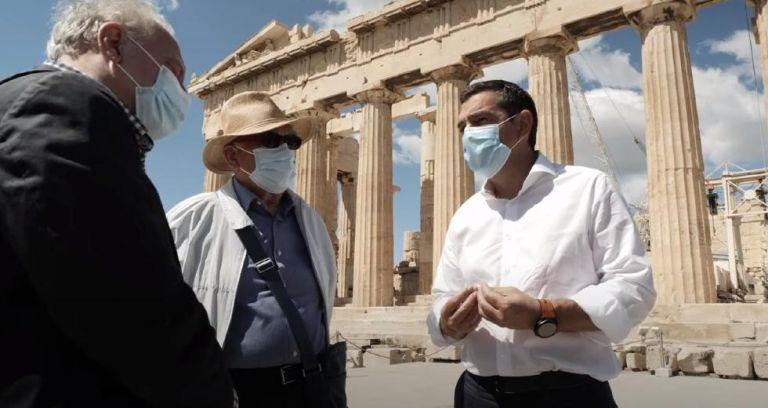 Τσίπρας στην Ακρόπολη: «Σταματήστε να κακοποιείτε την πολιτιστική μας κληρονομιά» | tovima.gr