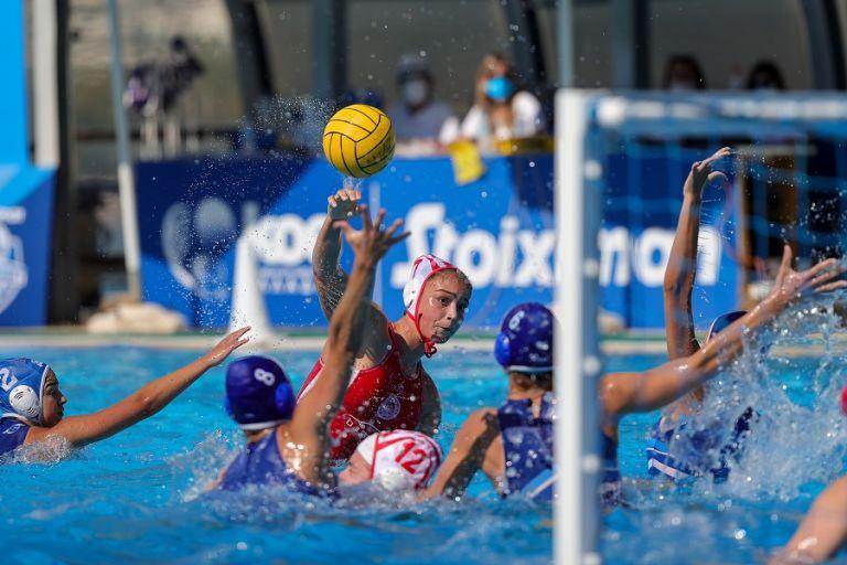 Στον τελικό ο Ολυμπιακός, διέλυσε την Γλυφάδα (23-5) | tovima.gr