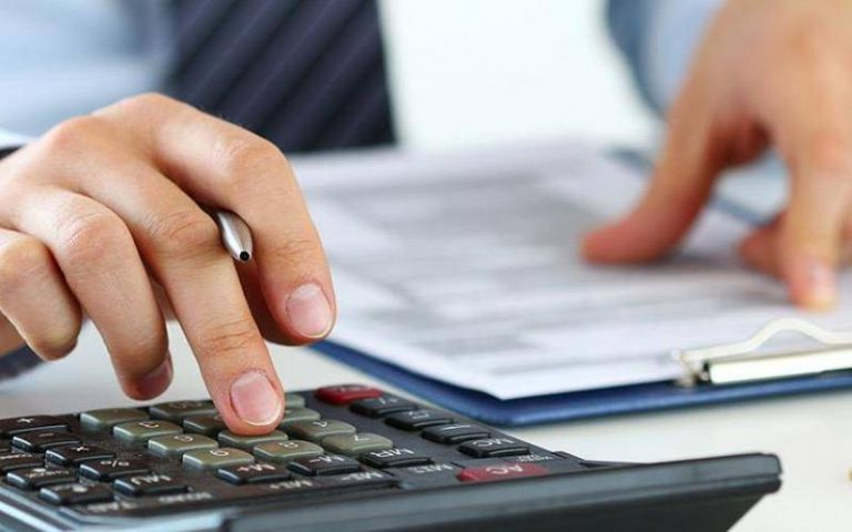 Πώς μπορείτε να κουρέψετε χρέη σε Εφορία, Ταμεία, Τράπεζες | tovima.gr