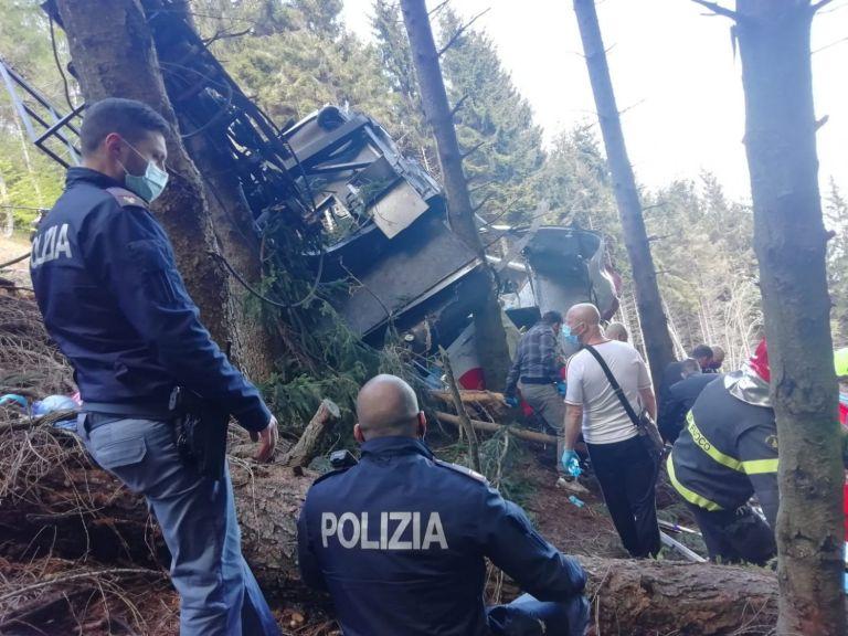 Ιταλία: Στους δεκατρείς ανέρχονται οι νεκροί από πτώση καμπίνας τελεφερίκ κοντά στη λίμνη Ματζιόρε | tovima.gr