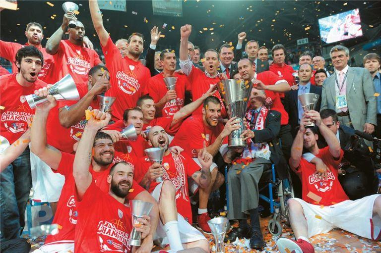 Κωνσταντίνος Αγγελόπουλος: Η αγάπη του για τον Ολυμπιακό και το μπάσκετ | tovima.gr