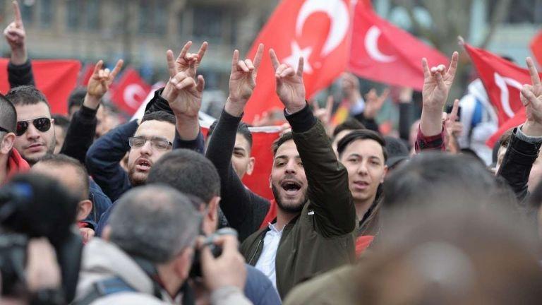 Τουρκία: Οι «Γκρίζοι Λύκοι» στο στόχαστρο της Ευρώπης | tovima.gr