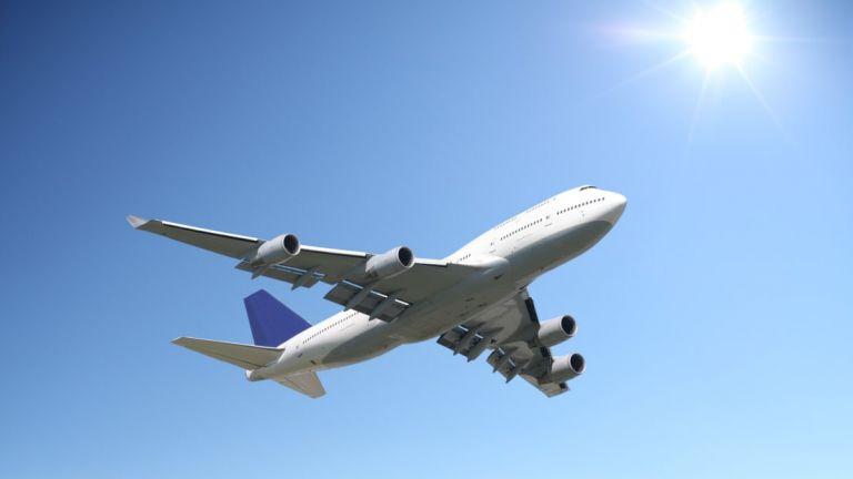 Συναγερμός σε πτήση Σαντορίνη – Βρυξέλλες: Έκανε αναγκαστική προσγείωση στο Βελιγράδι | tovima.gr