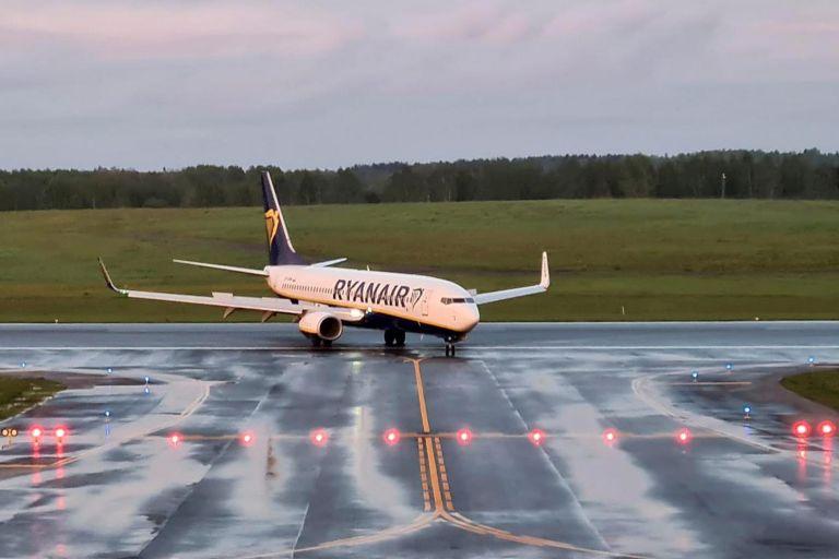 Λευκορωσία: Τι συμβαίνει όταν πολεμικό αεροσκάφος παρεμβαίνει σε επιβατική πτήση | tovima.gr