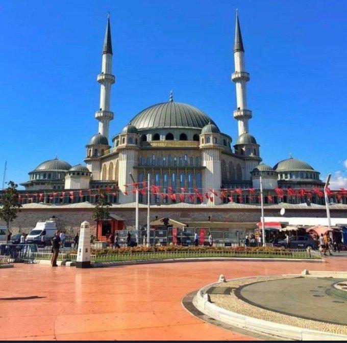 Ερντογάν: Εγκαινίασε τέμενος στην πλατεία Ταξίμ – Τι σηματοδοτεί   tovima.gr
