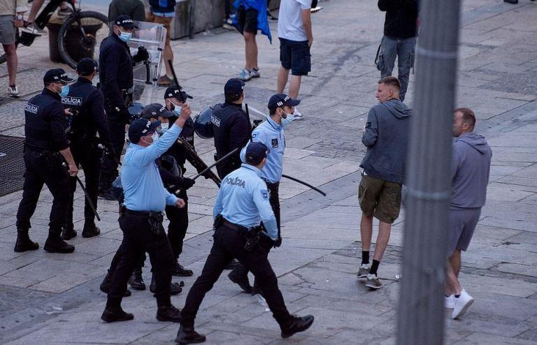 Επεισόδια ανάμεσα σε αστυνομία και οπαδούς Σίτι και Τσέλσι   tovima.gr