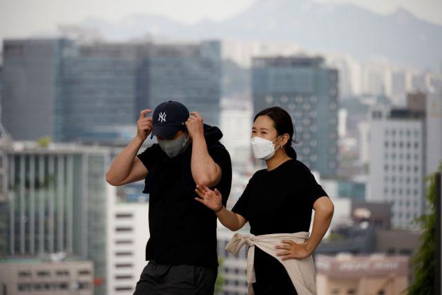 Χονγκ Κονγκ: Διήμερη άδεια μετ΄αποδοχών σε όσους εμβολιάζονται κατά του κορωνοϊού | tovima.gr