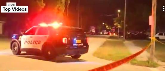 ΗΠΑ: Ανταλλαγή πυροβολισμών μεταξύ αστυνομικών και εφήβων – Τραυματίστηκε 14χρονη   tovima.gr