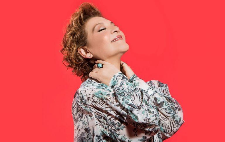 H Γιώτα Νέγκα τραγουδά Ευτυχία Παπαγιαννοπούλου στο Βεάκειο | tovima.gr