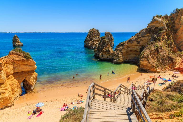 Βρετανία: Εκτός «πράσινης λίστας» η Πορτογαλία | tovima.gr