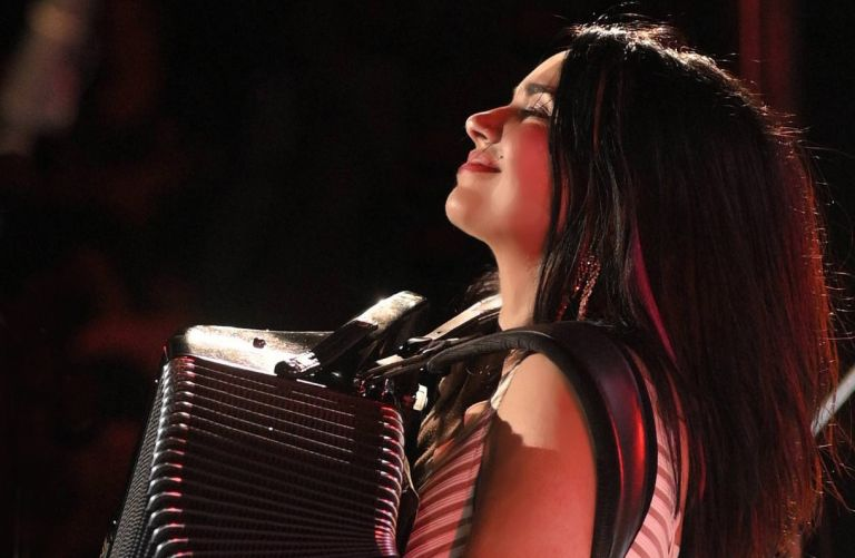 Ζωή Τηγανούρια: Μη δολοφονείτε τη μουσική | tovima.gr