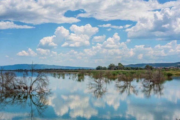 Λίμνη Κορώνεια: Κινδυνεύει από την μόλυνση και την υπεράρδευση   tovima.gr