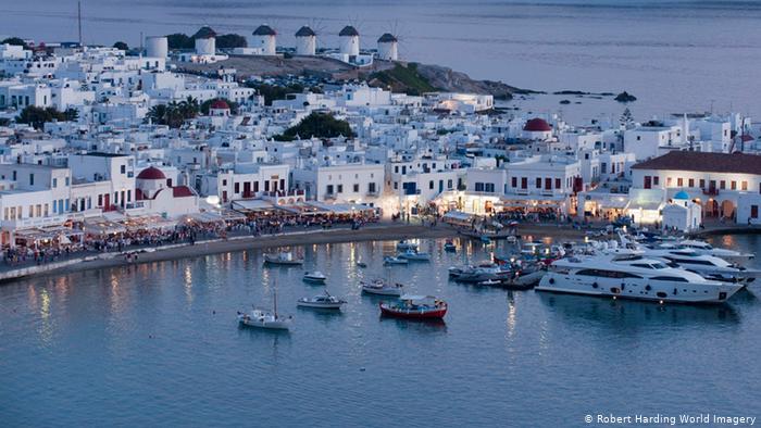 Τουρισμός: Το βρετανικό «μπλόκο» απειλεί τους στόχους για τον τουρισμό το καλοκαίρι του 2021 | tovima.gr