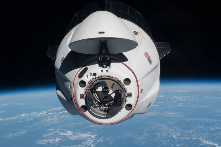 Το SpaceX Dragon έφτασε στο Διεθνή Διαστημικό Σταθμό   tovima.gr