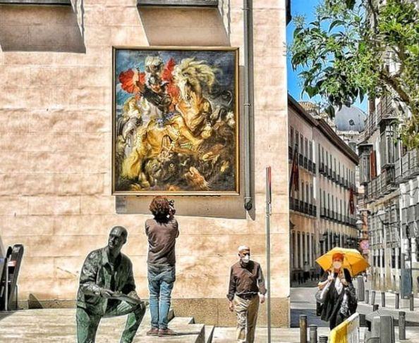 Γέμισαν με διάσημους πίνακες οι δρόμοι της Μαδρίτης | tovima.gr