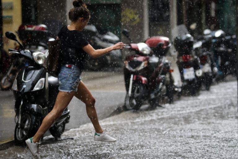 Καιρός: Σε ποιες περιοχές θα σημειωθούν βροχές και καταιγίδες την Παρασκευή | tovima.gr