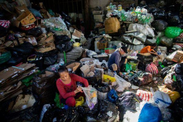 Πλαστικό: Μειώθηκε η παγκόσμια παραγωγή για 1η φορά μετά την παγκόσμια οικονομική κρίση του 2008 | tovima.gr