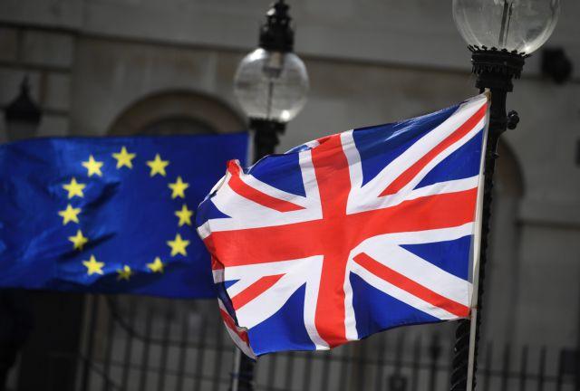 Βρετανία: Ο πρωθυπουργός Τζόνσον προειδοποιεί την ΕΕ για το εμπόριο μετά το Brexit | tovima.gr