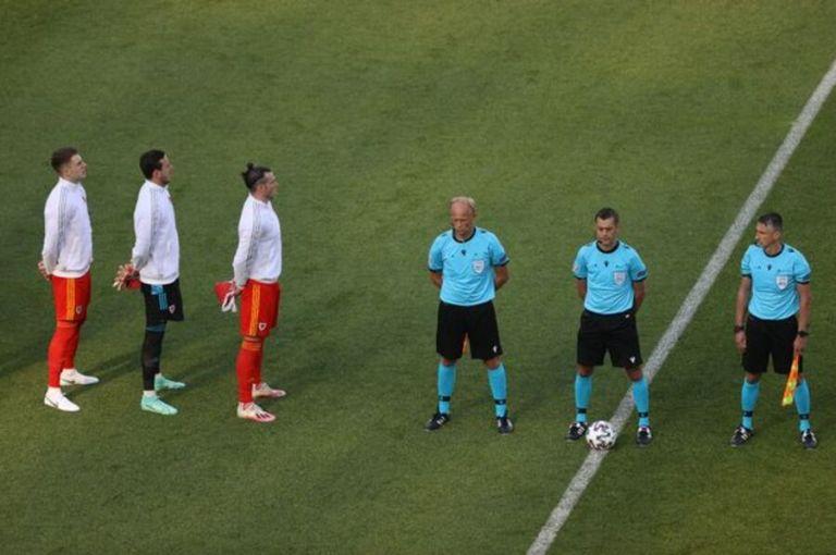 Εθνική Ουαλίας: Γιατί οι παίκτες της γύρισαν προς το πλάι στο άκουσμα του ύμνου | tovima.gr