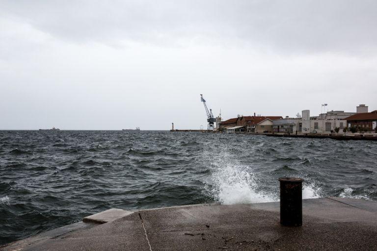 Θεσσαλονίκη: Νεκρός ανασύρθηκε 79χρονος από τον Θερμαϊκό   tovima.gr