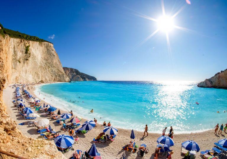 Κοινωνικός Τουρισμός: Φθηνές διακοπές για 300.000 εργαζόμενους και άνεργους – Πότε εκπνέει η προθεσμία | tovima.gr