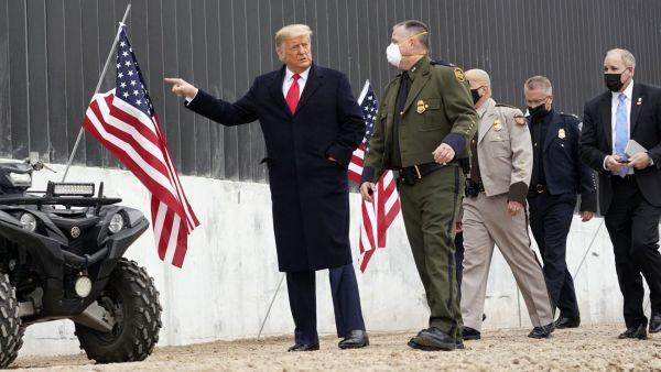 ΗΠΑ: Στο Τέξας ο Τραμπ ενόψει της κατασκευής του τείχους στα σύνορα με Μεξικό   tovima.gr