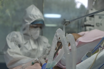 AstraZeneca – Νέα καταγγελία: «Ο αδελφός μου έπεσε σε κώμα 10 μέρες μετά το εμβόλιο» | tovima.gr
