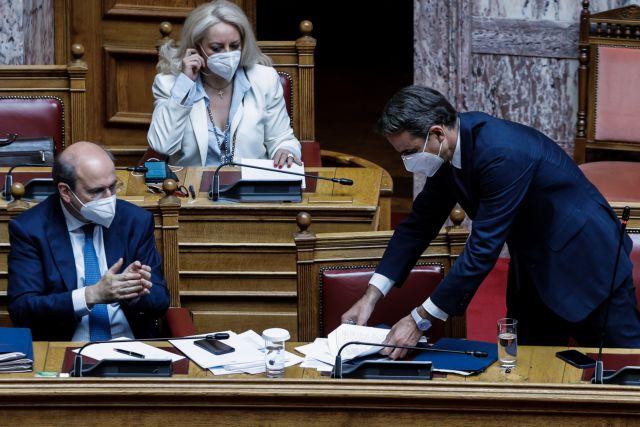 Εργασιακό νομοσχέδιο: Ολα τα μέτρα που ψήφισε χθες η Βουλή εν μέσω έντασης και διαφωνιών | tovima.gr