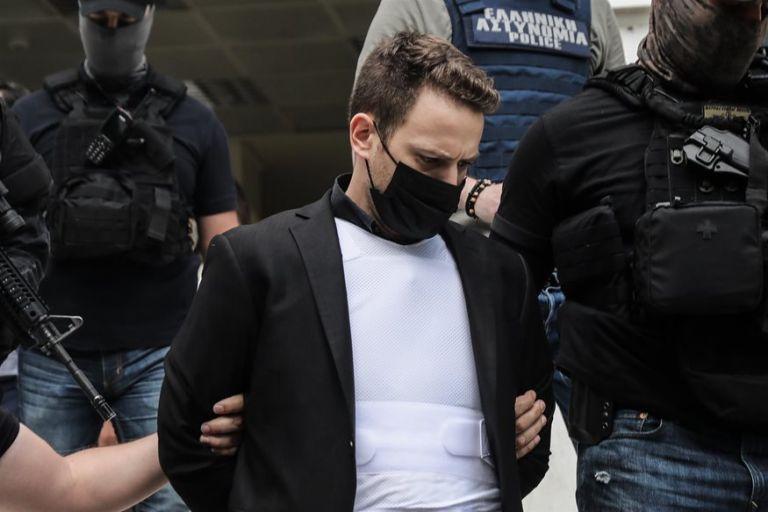 Γλυκά Νερά: Περιμένουν στις φυλακές τον συζυγοκτόνο – Αποκάλυψη για τη μητέρα του | tovima.gr