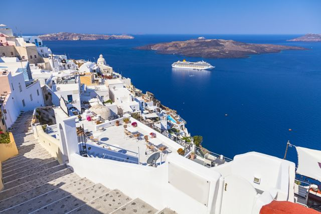 Σαντορίνη: Ανησυχία για τους Βρετανούς τουρίστες και τη μετάλλαξη Δέλτα   tovima.gr