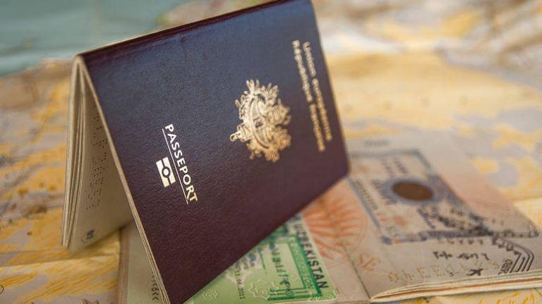 Golden Visa: Ο κορωνοϊός έβαλε «φρένο» στις επενδύσεις στην Ελλάδα – Στη δεύτερη θέση οι Τούρκοι   tovima.gr