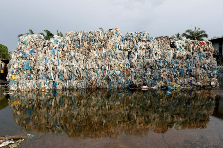 Νέοι κανονισμοί σε ΕΕ: Επιστήμονες εκφράζουν φόβους για ανεξέλεγκτη χρήση πολυμερών πλαστικών   tovima.gr