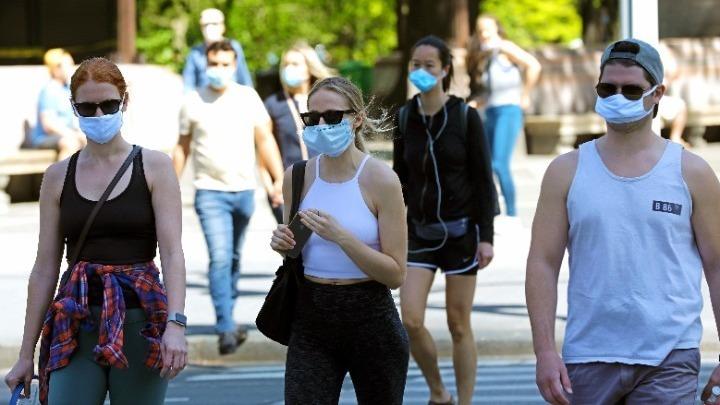 Πελώνη: Πότε θα πετάξουμε τις μάσκες – Το ενδεχόμενο του τέταρτου κύματος | tovima.gr