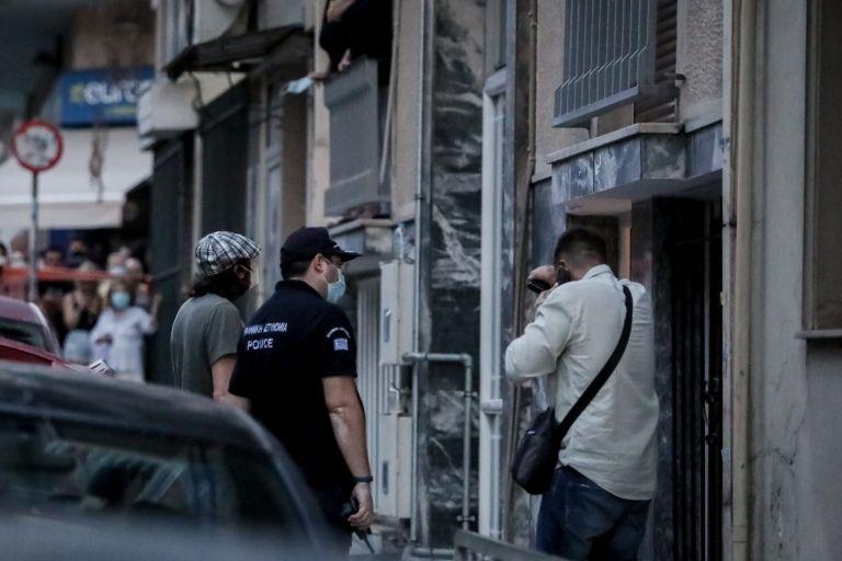 Πετράλωνα: Ο 35χρονος έκανε τον… επαίτη για να μην τον πιάσουν   tovima.gr